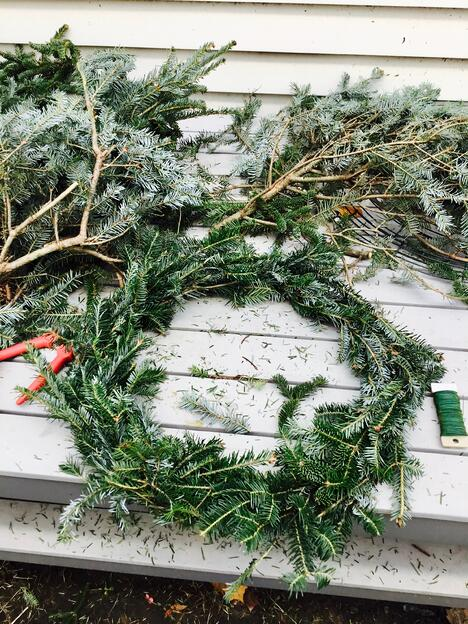 how to make a holiday wreath on a budget
