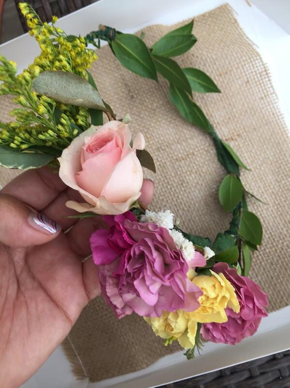 how to make flower crowns with real flowers