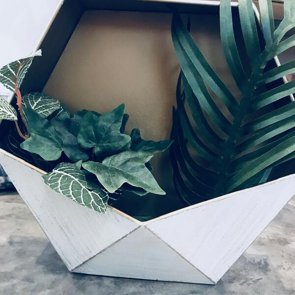 silk greenery wall planter