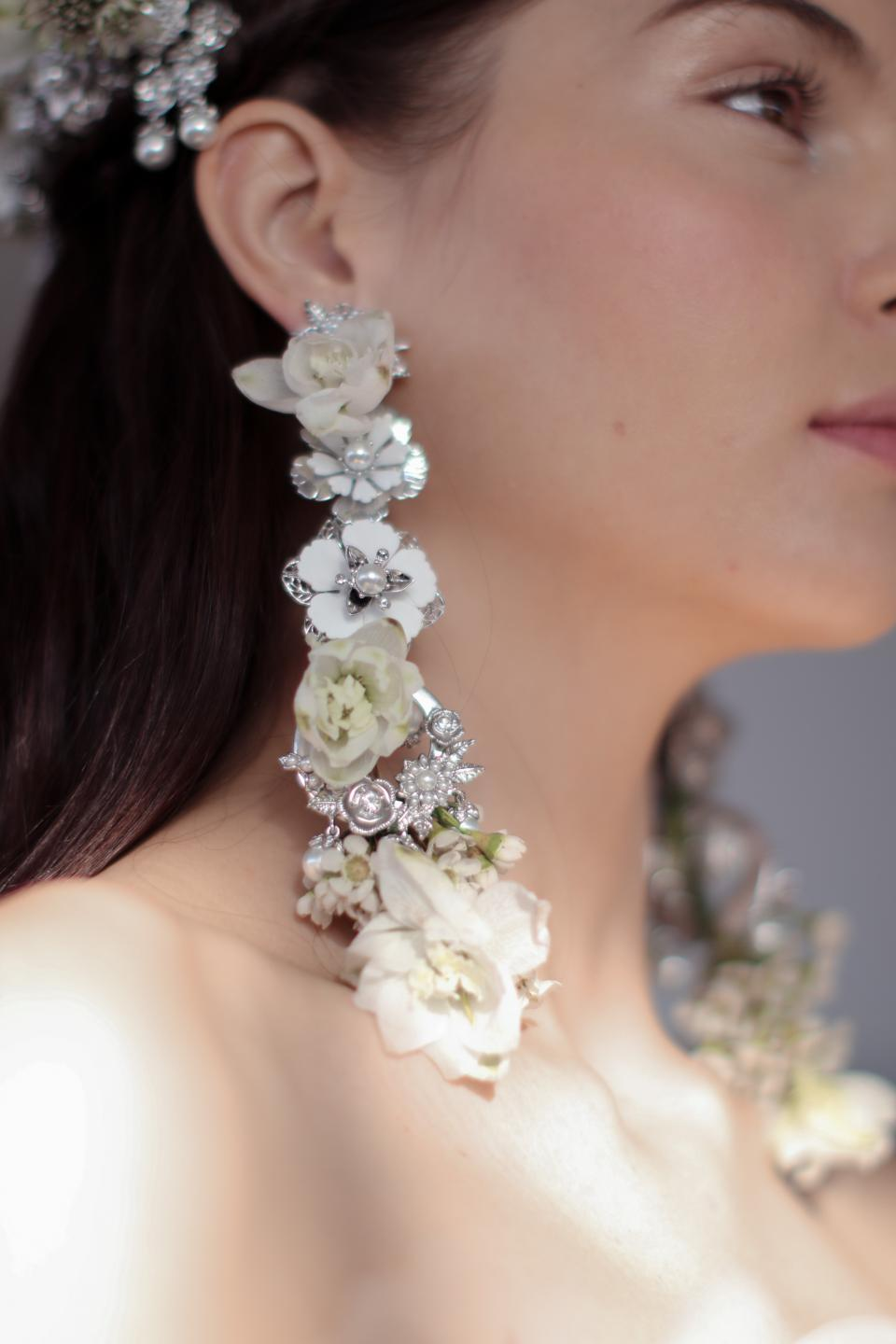 real flower earrings for weddings